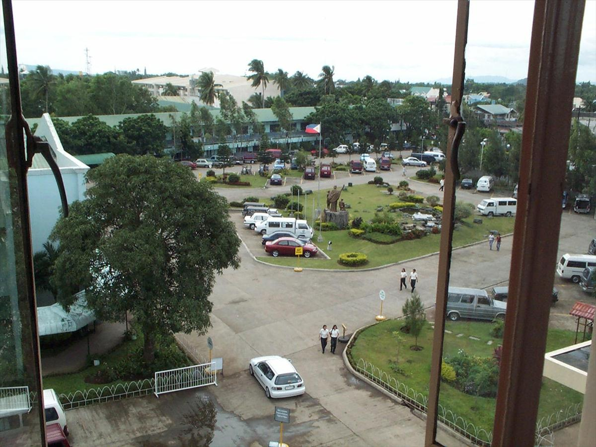 De La Salle Lipa Main Parking Area